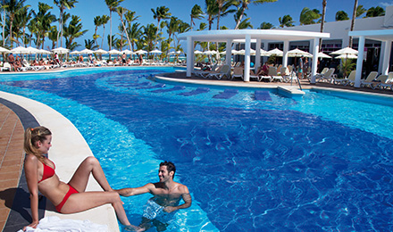 Reduced Rates, Free Room Upgrades, Free Stays for Kids and More!