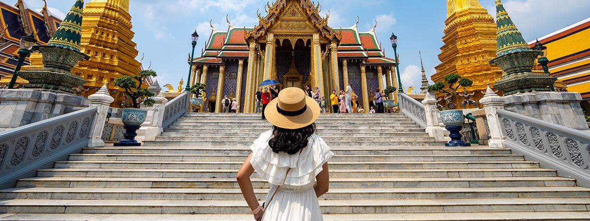 FLY EVA AIR TO THAILAND