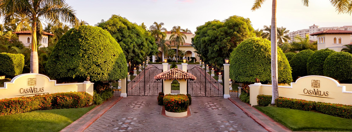 Extended stay program for two at Casa Velas